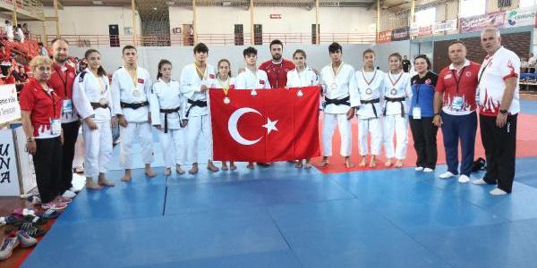 Bosna Hersek'teki şampiyonada ümit milli judocular hızlı başladı