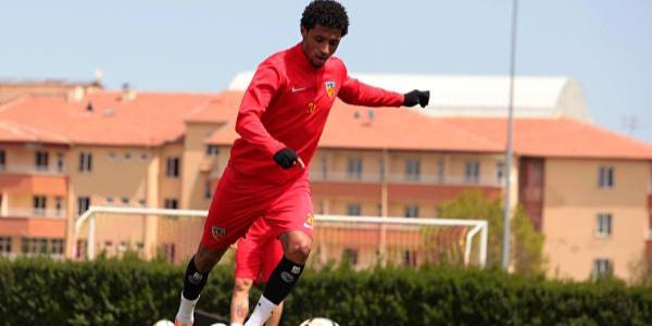 Kayserisporun Yeşil Burunlu golcüsü  Mendes 4 büyüklerin radarında