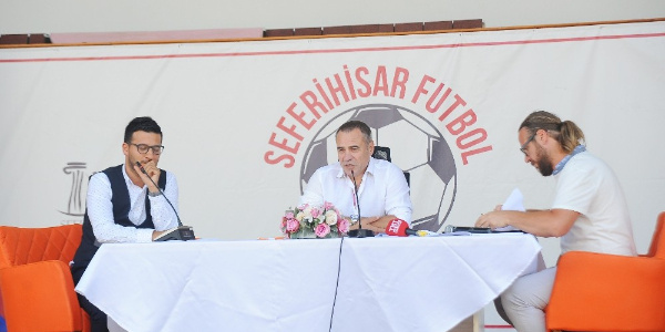 Ersun Yanal: En genç nüfusa sahip ülkede en yaşlı lig oynanıyor