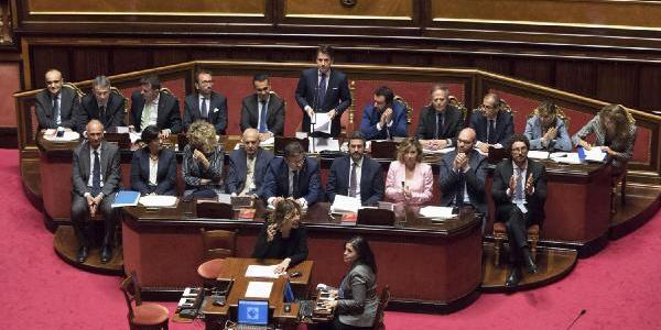 İtalya'da Giuseppe Conte'nin kurduğu hükumet Senato'dan güvenoyu aldı