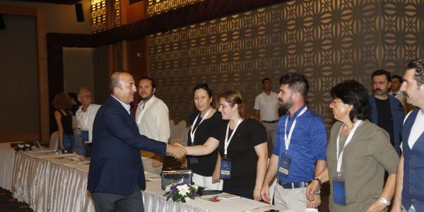 Mevlüt Çavuşoğlu, Münbiç için Afrin ve Cerablus'u emsal gösterdi