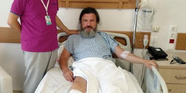Hastaya usulsüz rapor vermeyen doktoru bayıltana kadar dövdü
