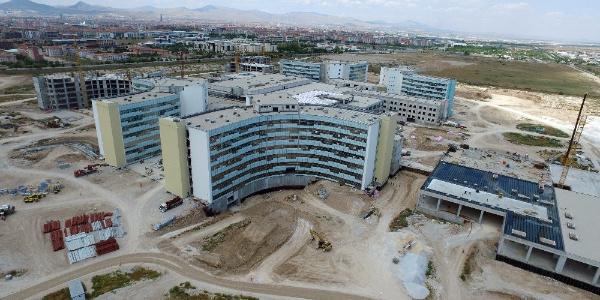 Bin 250 yatak kapasiteli Konya Şehir Hastanesi inşaatında yoğun mesai