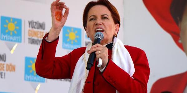 Meral Akşener'den her gence 500 lira vatandaşlık maaşı