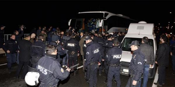 Ankara'da taziyeden dönen MHP konvoyuna saldırı iddiası