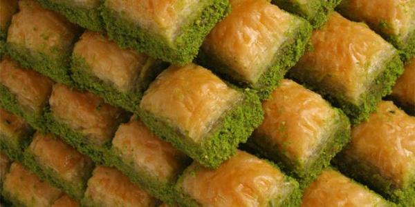 İyi bir baklavanın tarifi:  Urfa'nın yağı, Antep'in karakoyun unu..