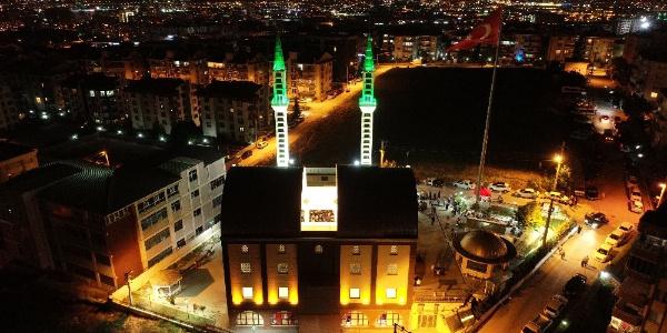 Bursa'daki Sunrooflu camide Kadir Gecesi heyecanı
