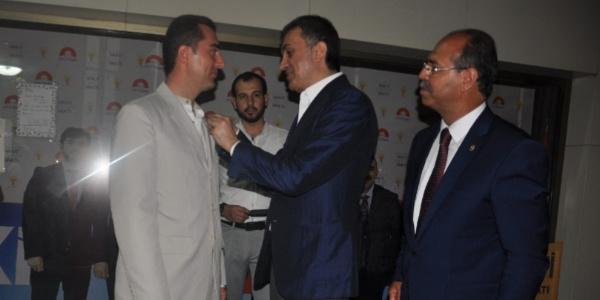 Saadet Partisi ilçe Başkanı istifa ederek AK Parti'ye geçti