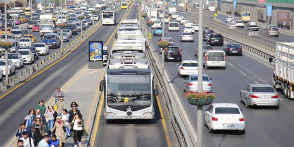 İstanbul Büyükşehir'den Ramazan Bayramı'nda ulaşıma yüzde 50 indirim