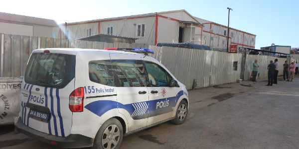 Rezidans inşaatında görevli özel güvenlikçiler arasında silahlı kavga: 1 ölü