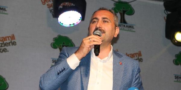 Adalet Bakanı Gül: Bir daha anneleri çocuklarından ayıramayacaklar