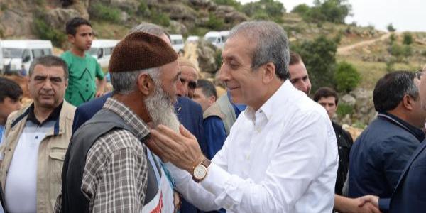 AK Partili Mehdi Eker'den CHP'ye destek veren HDP'ye veryansın