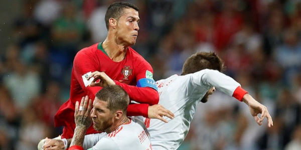 Dünya Kupası maçında  Ronaldo attığı 3 golle tarihe geçti