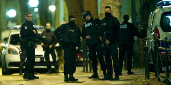 Fransız polisinden 50'ye yakın kentte silah operasyonu
