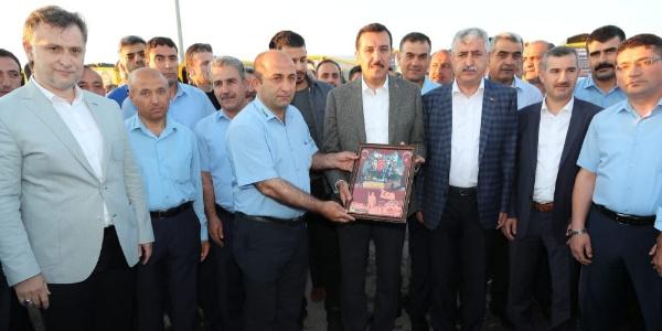 Bakan Bülent Tüfenkci: Türkiye'yi vizyon sahibi olmayanlar mı yönetecek