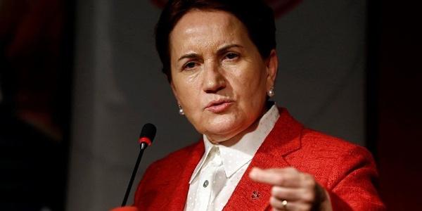 Kocaeli'nde mitinge çıkan Meral Akşener'e Körfez şoku: 40 istifa birden