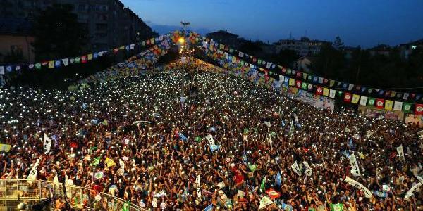 HDP  Eş Genel Başkanı Pervin Buldan'dan Diyarbakır'da hükumete ağır sözler