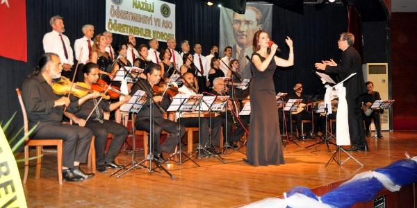 """Nazilli'de öretmenler 'Unutulmayan yaz şarkıları""""na ses verdiler"""