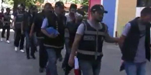 """Ankara polisinden """"Vikingler"""" çetesine operasyon: 13 kişi gözaltına alındı"""
