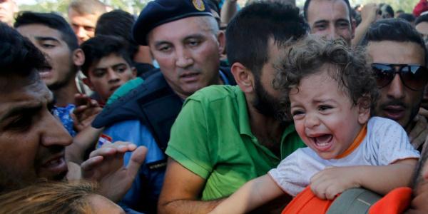 Pentagon şimdi de göçmen çocuklarına bakım işini üstlendi