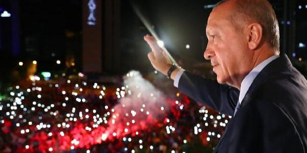 Cumhurbaşkanı Erdoğan'dan balkon konuşması: Yemin töreni sonrası başlıyoruz