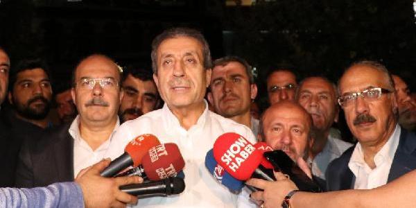 Mehdi Eker: Ortadoğu, Balkanlar, Kafkaslar ve Afrika zaferi kutluyor