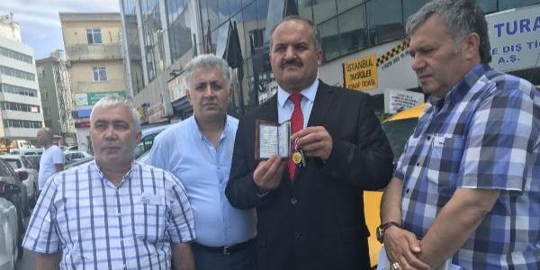 Turisti taksisinden indiren şöföre meslekten men cezası