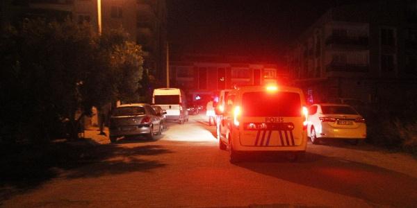 """Aydın'da polis """"dur"""" ihtarına uymayan mutahiti vurdu"""