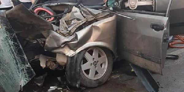 Muğla'da ters yönde ilerleyen araç otomobile çarptı: 1 ölü, 6 yaralı