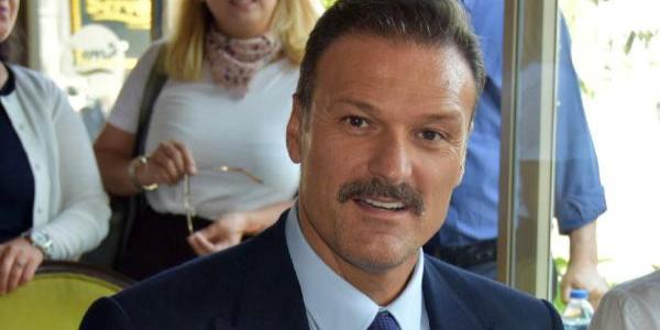 Alpay Özalan milletvekili mazbatasını almadan babasını kaybetti