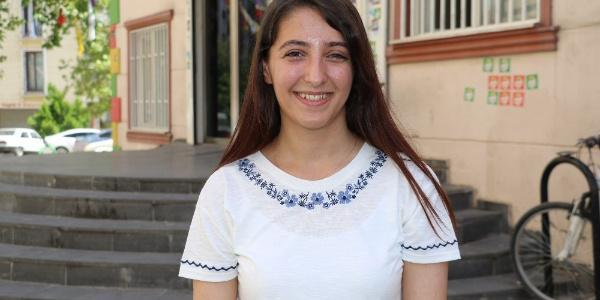 """HDP'nin en genç vekili Dersim Dağ'dan """"Meclis'in yarısı genç olsun"""" çağrısı"""
