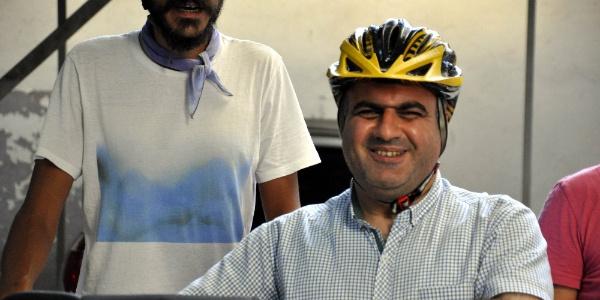 Kars'tan yola çıkıp Diyarbakır'da görme engellilerin umudu oldular