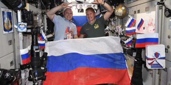 Rus kozmonotun futbol aşkı sınır tanımıyor