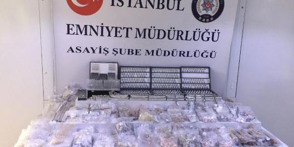Hırsızlar 1 milyon liralık gümüş takıyı 60 bin liraya satmışlar