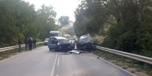 Bulgaristan'da feci kaza: Türkiye yolundaki gurbetçi aileden 4 kişi öldü