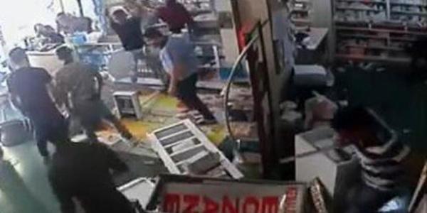 """Mersin'de hasta yakınları """"muadil ilaç"""" yüzünden eczaneyi yerle bir etti"""