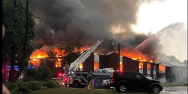 ABD'de Türk ailelerin yaşadığı apartmanda  yangın