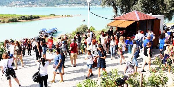 Aydın'daki Arapapıştı Kanyonu'na turist akını