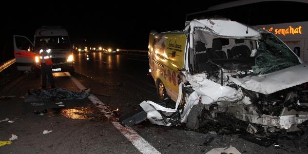 Düzce'deki kazada 20 yaşındaki genç hayatını kaybetti