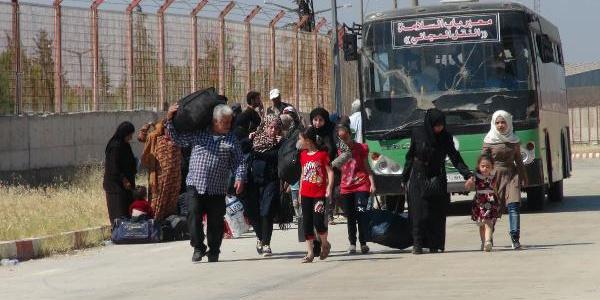 """Suriye rejiminin """"dönün"""" çağrısına mülteciler inanmıyor"""