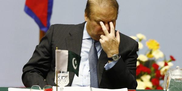 Pakistan eski Başbakanı Navaz Şerif 10 yıl hapse mahkum oldu