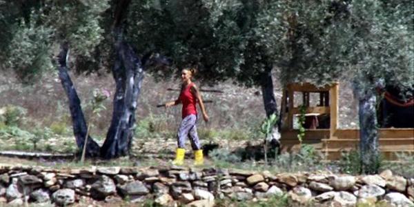 Rock müziği sanatçısı Özlem Tekin Milas'ta çiftlik kurdu