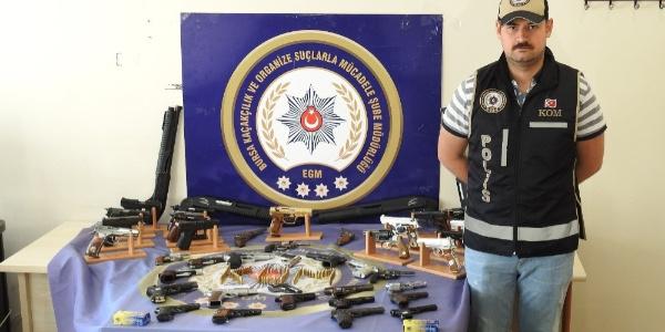 Bursa'daki kaçak silah operasyonunda 9 kişi tutuklandı