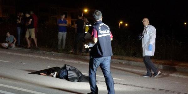 Bursa'da otomobilin çarptığı motosikletteki 2 genç hayatını kaybetti