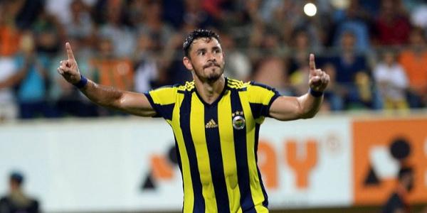 Fenerbahçe yeni kaptanı Giuliano yeni hoca ve sistem için süre istedi