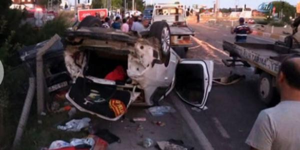 Demir yüklü kamyonun kırmızı ışıktaki araçları biçti: 2 ölü