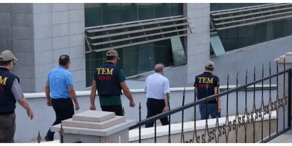 Mersin'de gözaltına alınan bakliyat şirketi sahibi FETÖ'den tutuklandı