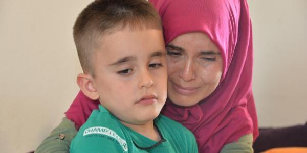 2 ay sonra yatağa mahkum kalacak oğlu için umut arıyor