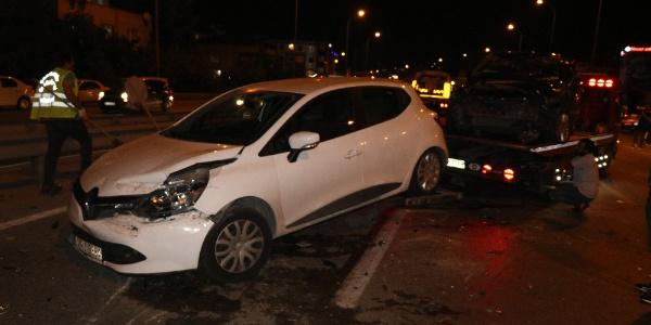 Çekmeköy'de arabalar parçalanırken vatandaşlar seyre çıktı