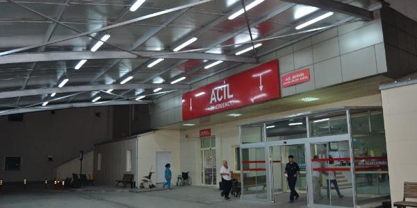 Adana'da akli dengesi bozuk şahıs yengesini boğdu